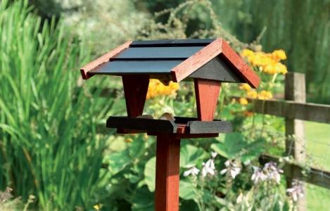 Štýlové vtáčie búdky oživia záhradu