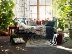 Záclony a závesy dodajú interiéru šarm