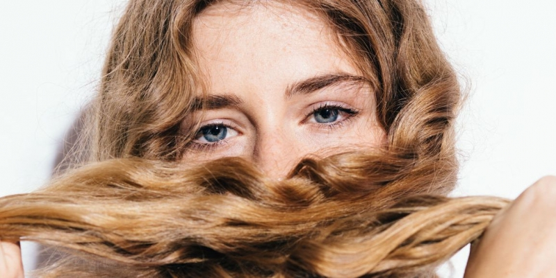 Trápia vás suché a zničené vlasy?